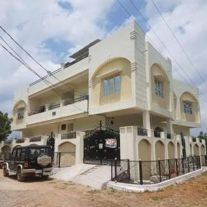 Gallery Cover Image of 400 Sq.ft 3 BHK Apartment for rent in Bandlaguda for 9000