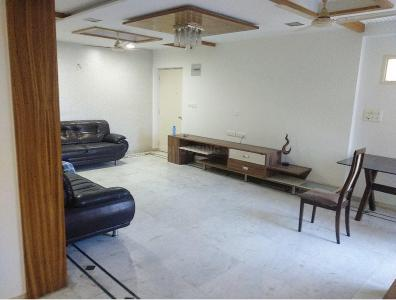 Gallery Cover Image of 4420 Sq.ft 4 BHK Apartment for rent in Bodakdev for 42000