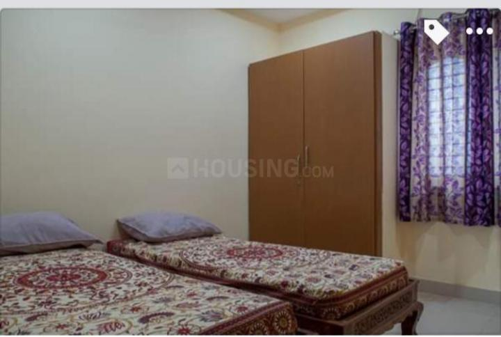 Bedroom Image of Thakur Hostel in Patel Nagar