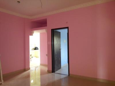 Gallery Cover Image of 840 Sq.ft 2 BHK Apartment for buy in Thandalam for 3276000