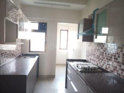Gallery Cover Image of 1450 Sq.ft 4 BHK Apartment for rent in Evershine Madhuvan, Santacruz East for 90000