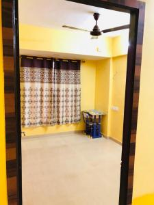 Gallery Cover Image of 1080 Sq.ft 2 BHK Apartment for rent in Seawoods for 30000