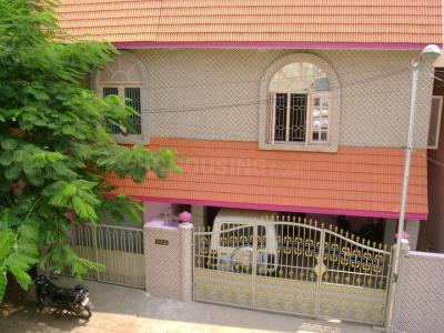 Gallery Cover Image of 1200 Sq.ft 2 BHK Independent Floor for rent in Choolaimedu for 15000