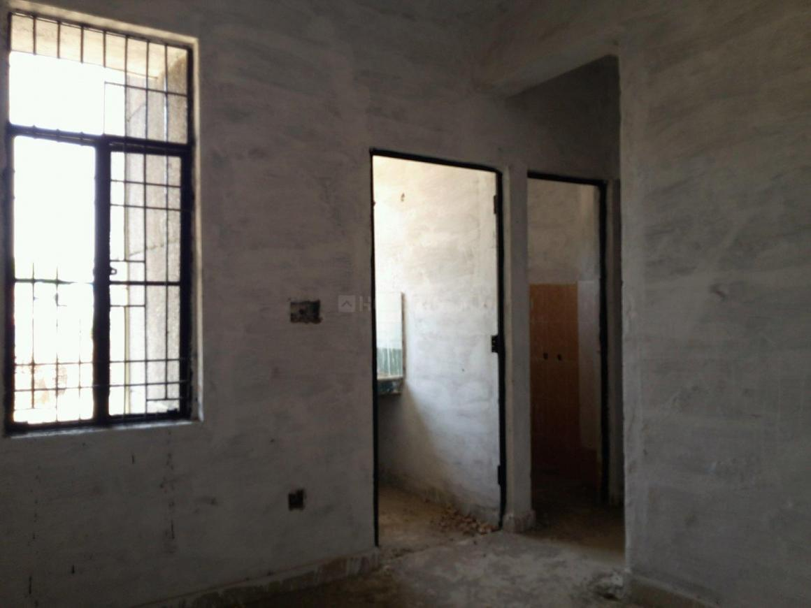 Living Room Image of 320 Sq.ft 1 BHK Apartment for rent in MU II Greater Noida for 3000