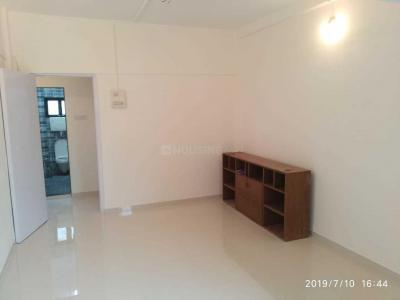 Gallery Cover Image of 600 Sq.ft 1 BHK Apartment for rent in Khar West for 50000
