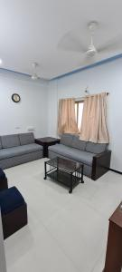 Gallery Cover Image of 795 Sq.ft 2 BHK Apartment for rent in Bandra East for 45000