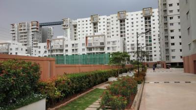 Gallery Cover Image of 1200 Sq.ft 3 BHK Apartment for rent in Ramky One North, Yelahanka for 19000