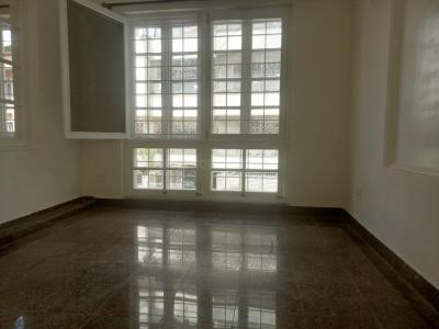 Gallery Cover Image of 1600 Sq.ft 3 BHK Apartment for rent in Shanti Nagar for 40000
