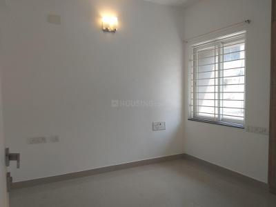 Gallery Cover Image of 1974 Sq.ft 3 BHK Apartment for rent in Pallikaranai for 28000