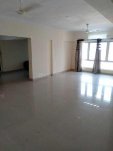 Gallery Cover Image of 1800 Sq.ft 3 BHK Apartment for rent in Crystal Isle 2, Goregaon East for 36000