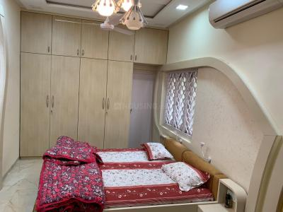 Gallery Cover Image of 3000 Sq.ft 5 BHK Apartment for rent in Ghatlodiya for 70000