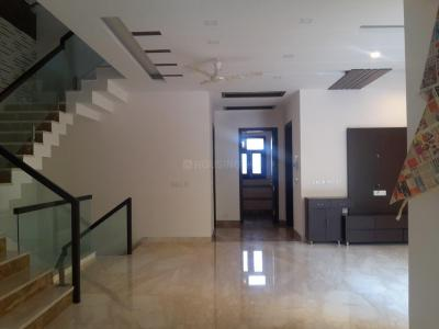 Gallery Cover Image of 6000 Sq.ft 4 BHK Independent House for buy in DLF Phase 2 for 70000000