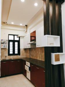 Gallery Cover Image of 925 Sq.ft 2 BHK Apartment for buy in Noida Extension for 2399999