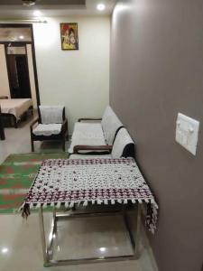 Gallery Cover Image of 850 Sq.ft 2 BHK Apartment for rent in Sector 72 for 15000