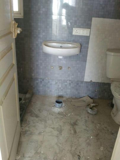 Common Bathroom Image of 1850 Sq.ft 4 BHK Apartment for rent in Sector 37C for 20000