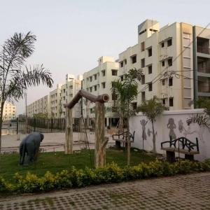 Gallery Cover Image of 1356 Sq.ft 3 BHK Apartment for buy in Mukundapur for 6537500