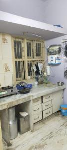 Gallery Cover Image of 1350 Sq.ft 3 BHK Apartment for rent in Paldi for 17500