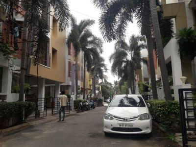 Gallery Cover Image of 1650 Sq.ft 3 BHK Apartment for rent in Velachery for 43000