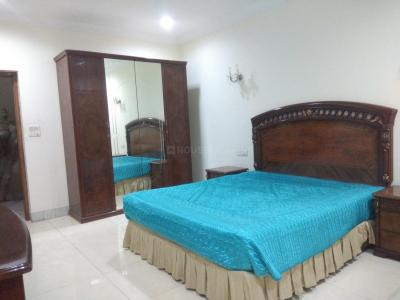 Gallery Cover Image of 2500 Sq.ft 3 BHK Apartment for rent in Saket for 75000