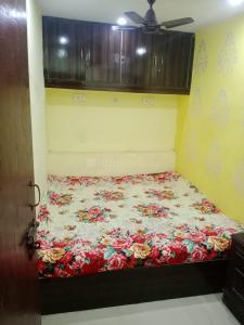 Bedroom Image of Girl PG in Preet Vihar