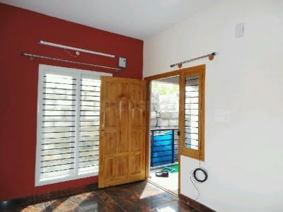 Gallery Cover Image of 550 Sq.ft 1 BHK Apartment for buy in Valasaravakkam for 2900000