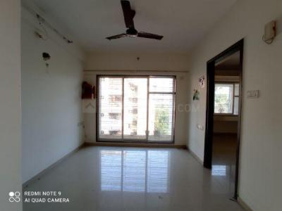 Gallery Cover Image of 400 Sq.ft 1 BHK Apartment for rent in Lokhandwala Spring Grove, Kandivali East for 17000