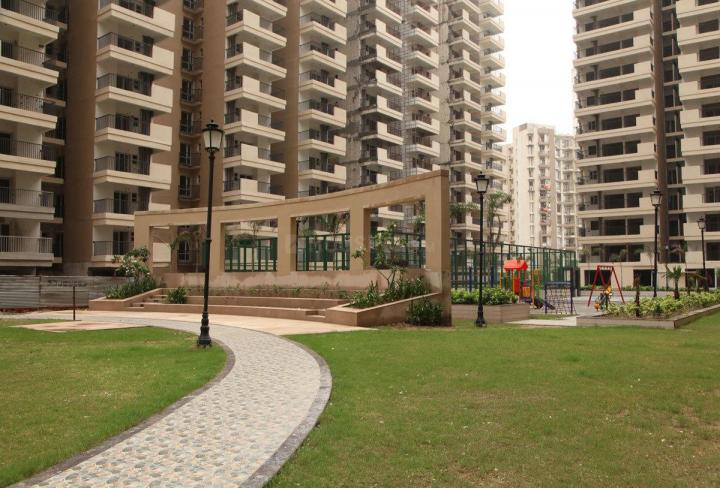 Garden Area Image of 1300 Sq.ft 3 BHK Apartment for rent in Omicron I Greater Noida for 12000
