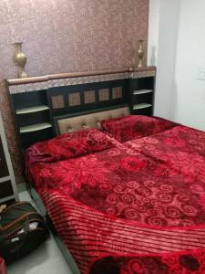 Gallery Cover Image of 1200 Sq.ft 3 BHK Independent Floor for rent in Pul Prahlad Pur for 16000