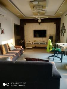 Gallery Cover Image of 2205 Sq.ft 3 BHK Apartment for buy in Binori Solitaire, Bopal for 11900000