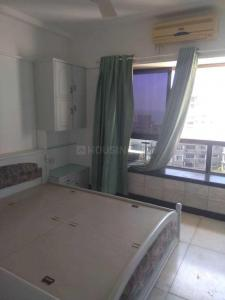 Gallery Cover Image of 920 Sq.ft 1 BHK Apartment for rent in Bandra West for 70000