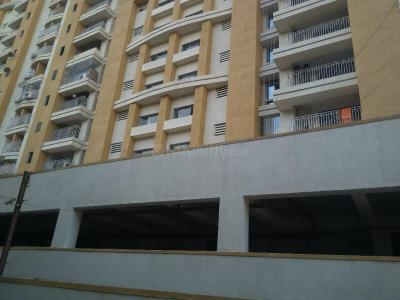 Gallery Cover Image of 921 Sq.ft 3 BHK Apartment for buy in Thane West for 15900000