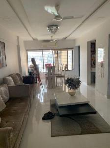 Gallery Cover Image of 1550 Sq.ft 3 BHK Apartment for buy in Royal Classic CHS, Andheri West for 38000000