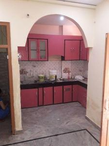 Gallery Cover Image of 700 Sq.ft 2 BHK Independent Floor for rent in Dwarka Mor for 6500