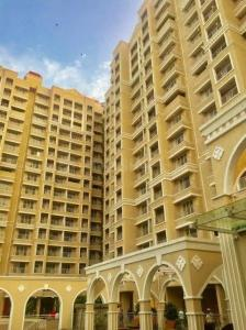 Gallery Cover Image of 1250 Sq.ft 3 BHK Apartment for rent in JP North Phase 3 Estella, Mira Road East for 30000