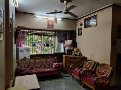 Gallery Cover Image of 580 Sq.ft 1 BHK Apartment for rent in Borivali East for 25000