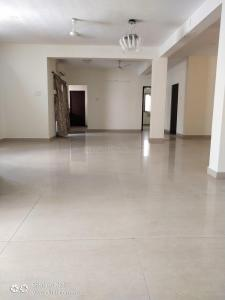 Gallery Cover Image of 2400 Sq.ft 3 BHK Apartment for rent in Besant Nagar for 55000