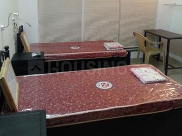 जुहू में ब्राइट यूथ स्टूडेंट अकॉमोडेशन के बेडरूम की तस्वीर