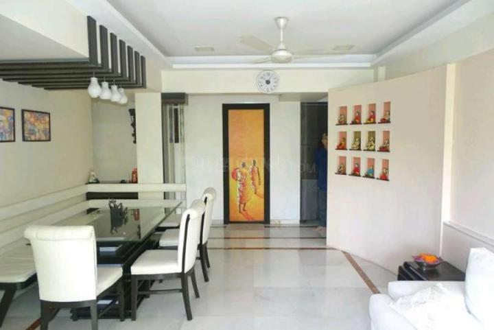 Living Room Image of 1250 Sq.ft 3 BHK Apartment for rent in Bandra West for 250000