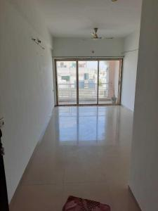 Gallery Cover Image of 1053 Sq.ft 2 BHK Apartment for rent in Sola Village for 11500