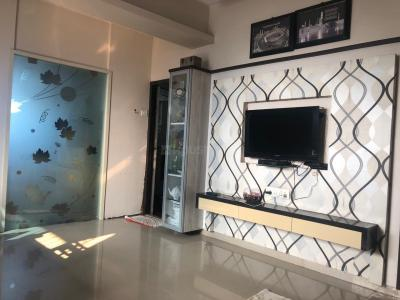 Gallery Cover Image of 650 Sq.ft 2 BHK Apartment for rent in Parel for 70000