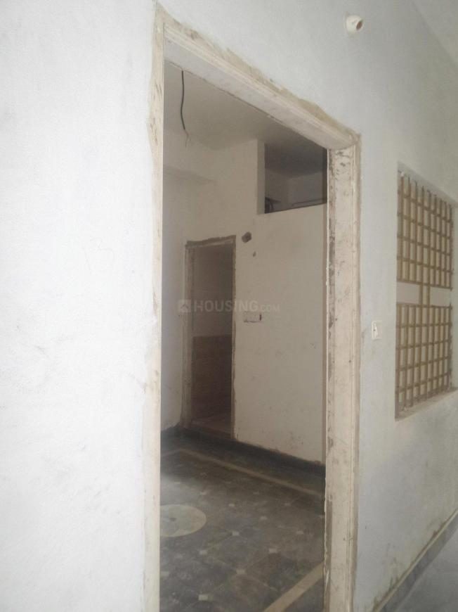 Main Entrance Image of 400 Sq.ft 1 BHK Apartment for rent in Shingapura for 6000