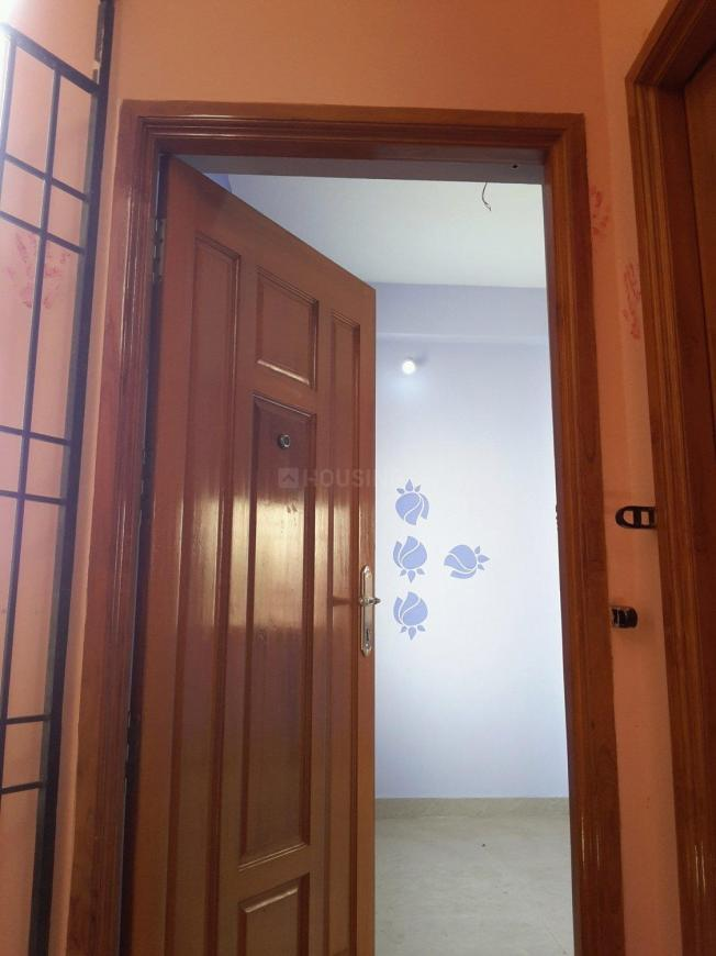 Main Entrance Image of 486 Sq.ft 1 BHK Apartment for buy in Surappattu for 1750000