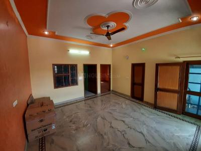 Gallery Cover Image of 1200 Sq.ft 2 BHK Apartment for rent in Capital Luxury Capital Residency, Seema Dwar for 15000