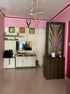 Gallery Cover Image of 600 Sq.ft 1 BHK Apartment for buy in Mohan Heights, Kalyan West for 5600000