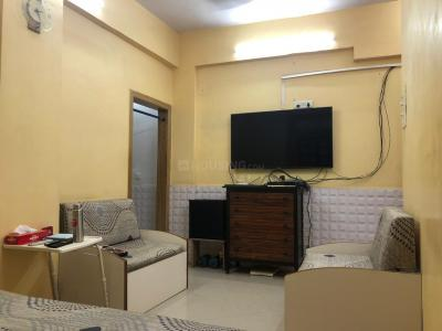 Gallery Cover Image of 600 Sq.ft 1 BHK Apartment for buy in Jolly Apartments, Santacruz West for 25000000