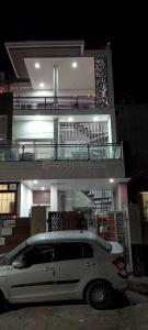 Gallery Cover Image of 1300 Sq.ft 1 BHK Independent Floor for rent in Balliwala for 12000