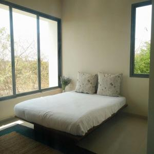 Gallery Cover Image of 1061 Sq.ft 2 BHK Independent House for buy in Bhugaon for 5305000