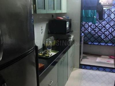 Gallery Cover Image of 1100 Sq.ft 3 BHK Apartment for rent in Ashish Swapnalok Towers , Malad East for 45000