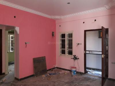 Gallery Cover Image of 1100 Sq.ft 2 BHK Apartment for rent in Rajajinagar for 25000