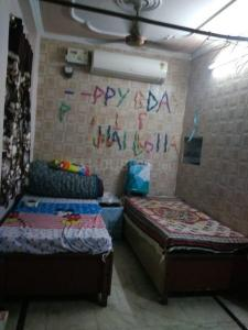 Bedroom Image of Smart Angel PG in Pitampura